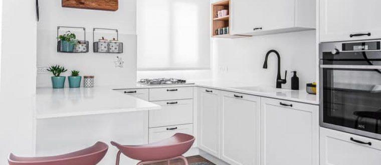 תכנון עיצוב והלבשה למטבח בבית פרטי בגדרה
